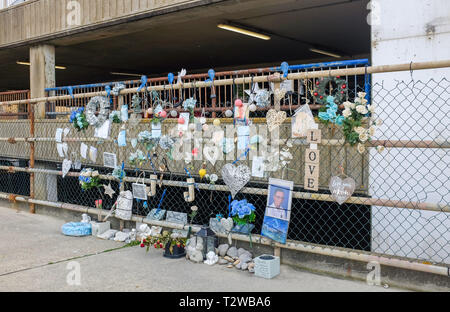 Memorial to Jordan Jamieson-Castleton 15 who died after falling from the second storey of Brighton Marina carpark - Stock Image