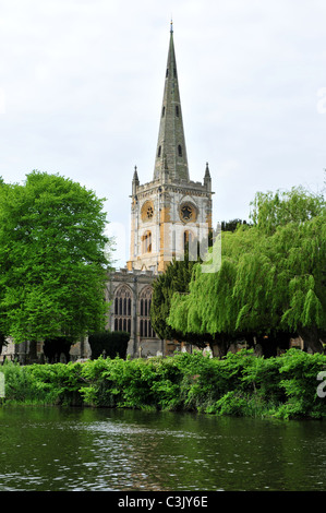 Holy Trinity Church and River Avon, Stratford upon Avon, Warwickshire - Stock Image