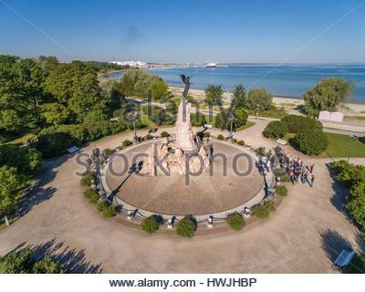 The Russalka Memorial ( Estonian - Russalka mälestussammas ) in Kadriorg Park, Tallinn. Sculptor Amandus Adamson. - Stock Image