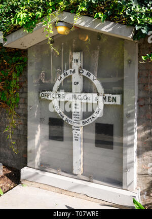 One of six simple wooden 'Crosses of Memory' in Adelaide, commemorating the 50th Australian Battalion, mainly composed of men from South Australia, - Stock Image