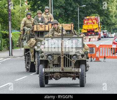 Woodhall Spa 1940s Festival - American soldiers and jeeps - Stock Image