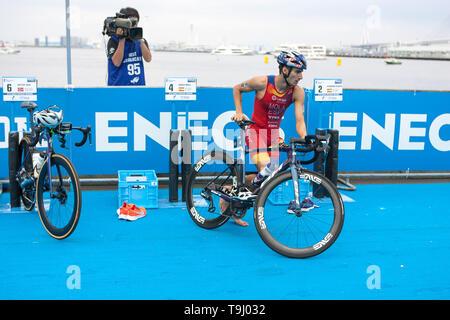 Yokohama, Japan. 18th May, 2019. 2019 ITU World Triathlon, World Paratriathlon Yokohama at Yamashita Park and Minato Mirai, Yokohama. Mola (Photos by Michael Steinebach/AFLO) Credit: Aflo Co. Ltd./Alamy Live News - Stock Image