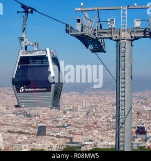 Barcelona, Spain, October 2018. Teleferic Mont Juic cable car / gondola heading for the castle. - Stock Image