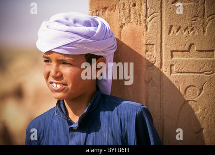 Young Bedouin boy at the Hathor Temple, Sinai desert, Egypt, Africa - Stock Image
