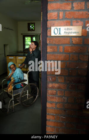 Patient waiting for Ayurvedic treatment of ill people at Sambhavna Trust Clinic in Bhopal , India - Stock Image
