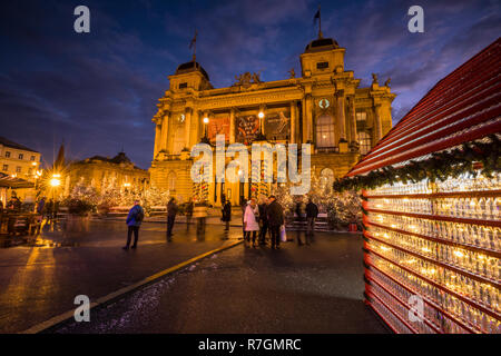 Zagreb Advent at night at Croatian National Theatre - Stock Image