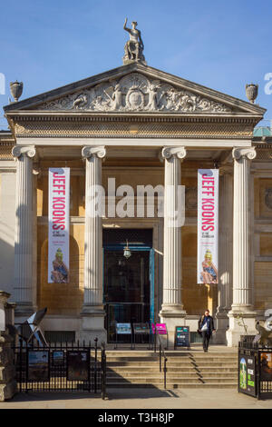 The entrance to the Ashmolean Museum in Beaumont Street, Oxford - Stock Image