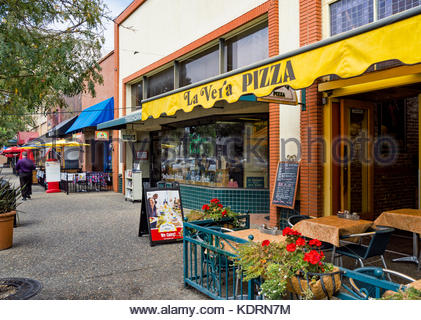 La Vera Pizza , Treehorn Books and other shops and eateries line Fourth Street in Santa Rosa, California, USA. - Stock Image