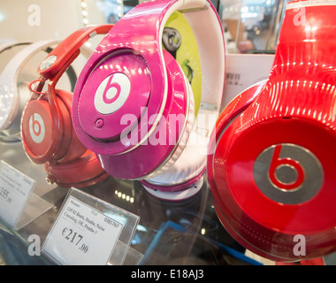 Beats by Dre headphones on display in a shop - Stock Image