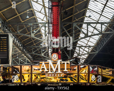 AMT Coffee booth Marylebone Station London. AMT Coffee is a UK chain of coffeehouses mainly located in railway stations. - Stock Image