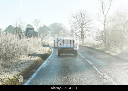Stirlingshire, Scotland, UK. 24th Dec, 2018. uk weather - fog and a heavy frost in Stirlingshire Credit: Kay Roxby/Alamy Live News - Stock Image