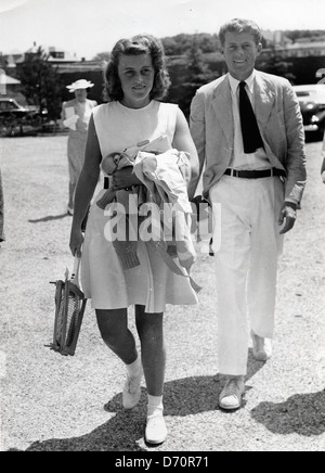 Kathleen Kennedy with brother John F. Kennedy, in Newport, RI, July 14, 1940. Bert Morgan Photo. - Stock Image