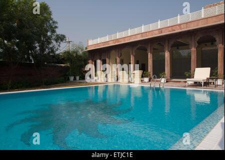 Swimming pool at Pal Garh Haveli, Jodhpur, Rajasthan, India - Stock Image