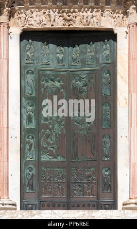 Doors to the Duomo Siena ( Siena Cathedral), or Porta della Riconoscenza, Siena, Tuscany, Italy, Europe - Stock Image