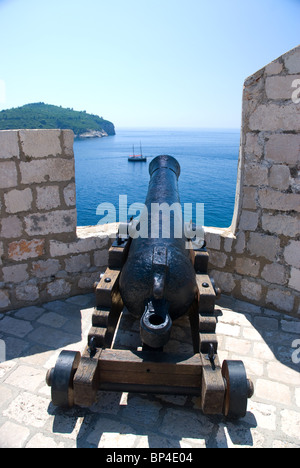 Canon on walls, Dubrovnik Old Town, Dalmatia, Croatia - Stock Image