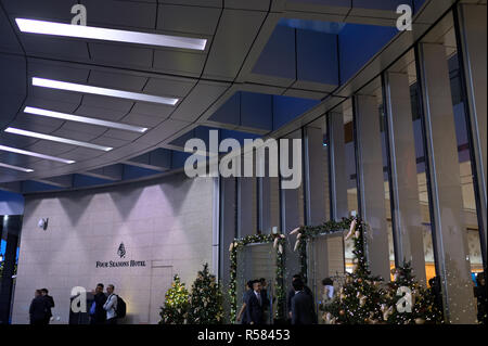 The main arrival to the Four Seasons hotel decorated for the festive season,  Hong Kong SAR - Stock Image