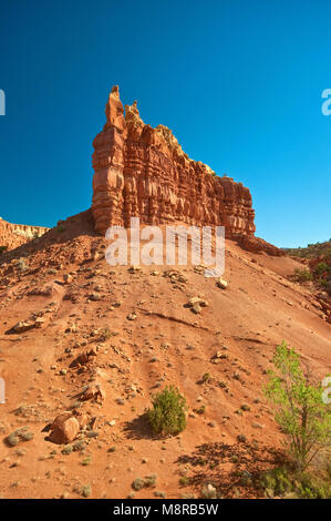 Sandstone butte at Mesa del Yeso near Abiquiu, New Mexico, USA - Stock Image