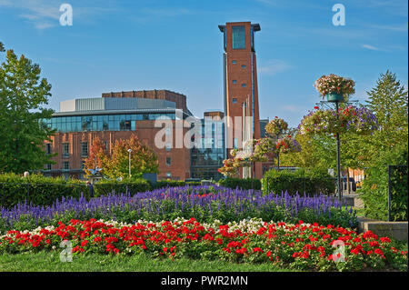 Stratford upon Avon and the Royal Shakespeare Theatre viewed from across Bancroft Gardens early in the morning - Stock Image
