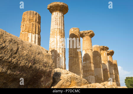 Italy Sicily Agrigento Valle dei Templi Valley of the Temples start 510 BC by colonists from Gela Tempio di Ercole The Temples of Herakles Hercules - Stock Image