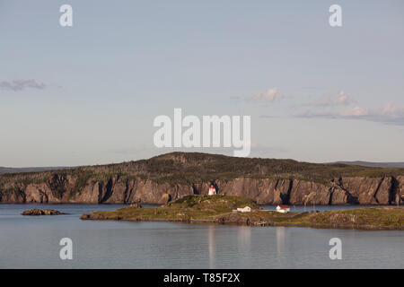 FORT POINT, NEWFOUNDLAND, CANADA - August 12, 2018: The Fort Point lighthouse, outside of the town of Trinity.  ( Ryan Carter ) - Stock Image