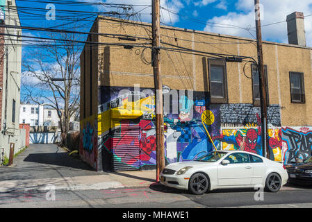Astoria, New York - 29 April 2018 - Astoria street art on the side of an auto repair building. ©Stacy Walsh Rosenstock - Stock Image