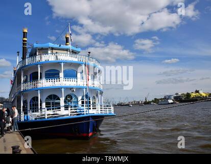 Steamer - Steam Boat, Hafengeburtstag St. Pauli-Landungsbrücken - Stock Image