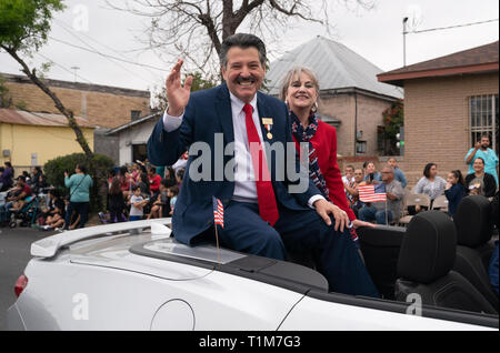 Laredo Mayor Pete Saenz waves from the back of a convertible during the annual Washington's Birthday Celebration parade in Laredo, Texas. - Stock Image