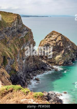 Looking down at the sea beneath the cliffs of the North Cornwall coast - Stock Image