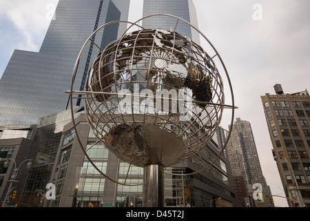 Time Warner Center and globe sculpture at Columbus Circle, Manhattan, New York City, New York, USA - Stock Image
