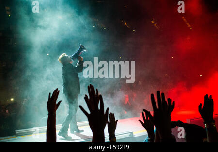 London, UK. 29th October, 2015. Bono from U2 at London O2 on the Innocence and Experience tour Credit:  david pearson/Alamy - Stock Image