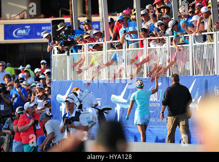 Rancho Mirage, California, USA. 2nd Apr, 2017. Lexi Thompson greets fans and makes her way to the 18th green during - Stock Image