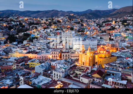 The city of Guanajuato, Mexico at dusk from above. - Stock Image
