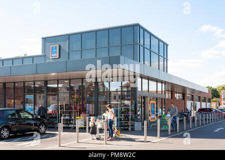 Aldi supermarket, Gogmore Lane, Chertsey, Surrey, England, United Kingdom - Stock Image