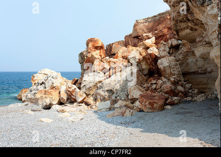 Earthquake induced overhanging cliff  face collapse, Crete Greece - Stock Image