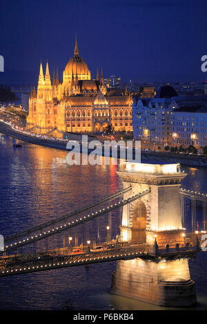 Hungary, Budapest, Parliament, Chain Bridge, Danube River, - Stock Image