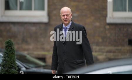Lodnon, UK. 19th Mar 2019. Chris Grayling, Secretary of State for Transport in Downing Street for weekly cabinet meeting. Credit: Malcolm Park/Alamy Live News. - Stock Image