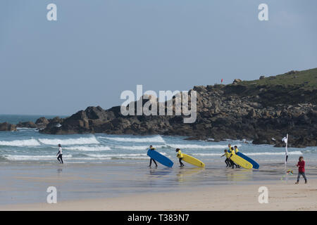 Cornwall, UK. 07th Apr, 2019. Sunny in St Ives.   Credit: Simon Maycock/Alamy Live News - Stock Image