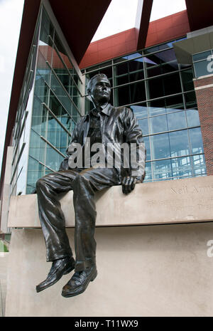 A statue of Apollo 11 astronaut Neil Armstrong stands outside the Neil Armstrong Hall of Engineering at the Purdue University campus in West Lafayette - Stock Image