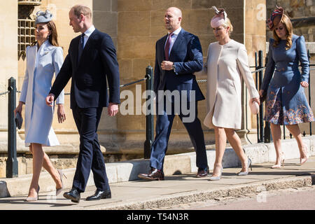 Windsor, UK. 21st April 2019. The Duke and Duchess of Cambridge, Mike and Zara Tindall and Princess Beatrice arrive to attend the Easter Sunday Mattins service at St George's Chapel in Windsor Castle. Credit: Mark Kerrison/Alamy Live News - Stock Image