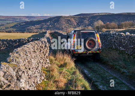 Land Rover on a Green Lane near Bradwell. Peak District National Park, Derbyshire, England. - Stock Image