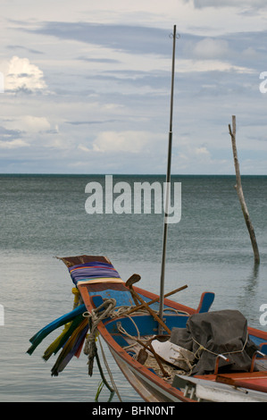 Traditional Thai long-tail fishing boat - Stock Image