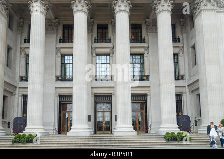 The Four Seasons Hotel, ten Trinity Square, London, UK - Stock Image
