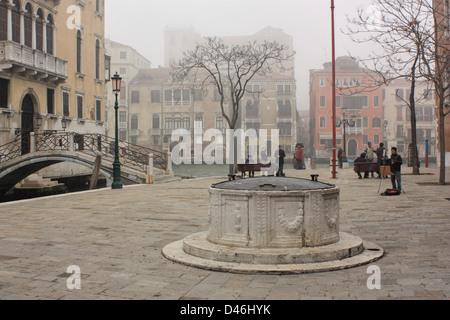 Foggy winter scene in Venice, Italy - Stock Image
