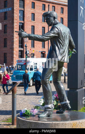 Liverpool Albert Dock statue sculpture Billy Fury 1940 - 83 self taught Rock & Roll  singer songwriter born Ronald Wycherley by Tom Murphy in 2003 - Stock Image