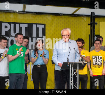 London, UK. 23rd Mar, 2019. Michael Heseltine, Baron and former Conservative Deputy Prime Minister, speaking at the People's Vote March and rally, 'Put it to the People.' Credit: Prixpics/Alamy Live News - Stock Image