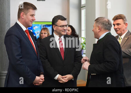 Zelezna Ruda, Czech Republic. 18th Jan, 2019. Czech Foreign Minister Tomas Petricek (left) meet with Mayor of Bayerisch Eisenstein (Germany) Charly Bauer (right), Bavarian Minister of Federal and European Affairs Florian Herrmann (2nd from left) and Lower Bavarian politician Heinrich Schmidt (3rd from left) on January 18, 2019, in Zelezna Ruda, Czech Republic. Credit: Miroslav Chaloupka/CTK Photo/Alamy Live News - Stock Image