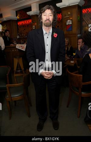 Trevor Nunn arrives at The Ivy on 12 November 2010. - Stock Image