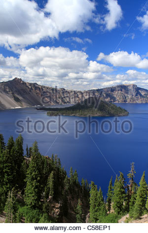 Wizard Island of Crater Lake National Park, Oregon, USA - Stock Image