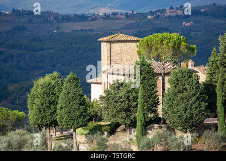 Traditional stone Tuscan farmhouse surrounded by countryside in Chianti shire, near Panzano,Tuscany,Italy,Europe - Stock Image