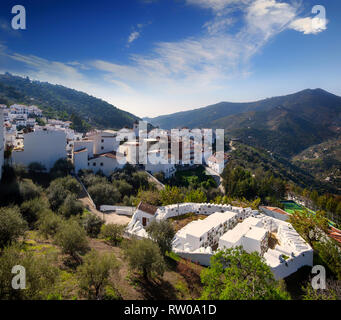 Aerial view of the Cementerio Redondo (circular cemetery) and Sayalonga, in the province of Málaga, Andalusia in southern Spain - Stock Image